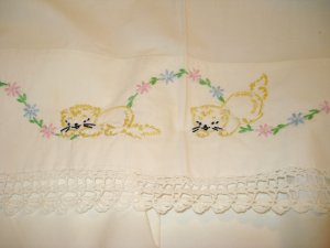 Embroidered crib or pram sheet with kittens crocheted lace handmade vintage cm1389
