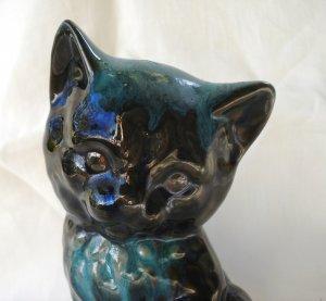 Drip glazed kitten figurine red clay green tone Blue Mountain vintage cm1427