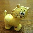 Humorous yellow cat figurine bug-eyes ceramic vintage cm1468