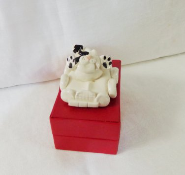 Black on white cat in convertible ceramic figurine handmade vintage cm1480