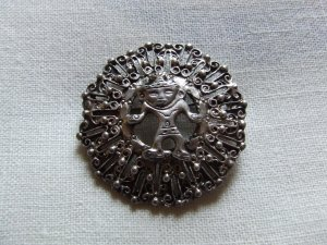 Pin PERUVIAN ART With Frontal  Pose Of 'Ancient' in silver