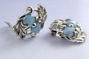 Vintage Silvertone/Blue Earrings Clip-on