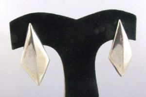 Vintage - SS Diamond Shaped Earrings