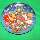 "Avon Decorative Plate Christmas 1995 ""Trimming the Tree"""