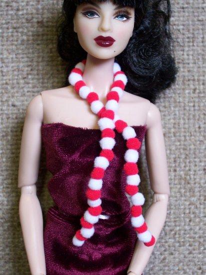 Pom Pom scarf - Fashion Doll Accessories