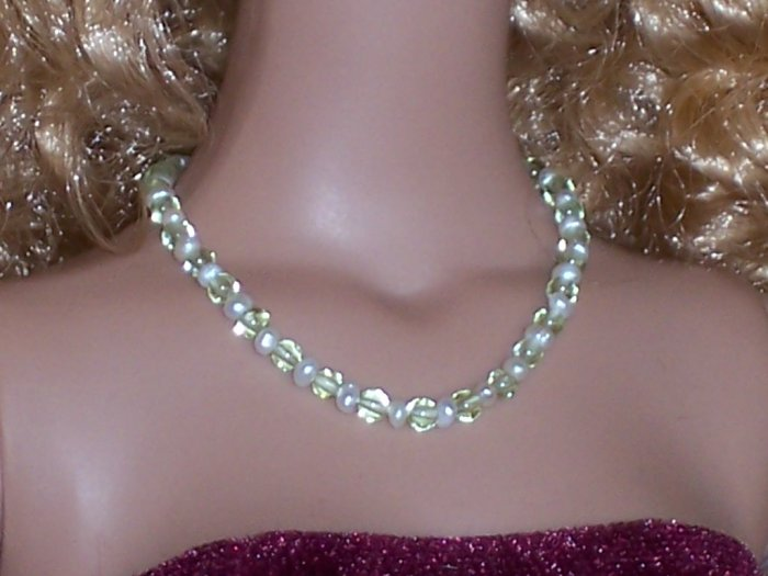 Peridot and pearls - Fashion Doll Jewelry