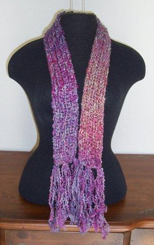 Mini berry tone boucle scarf with fringe