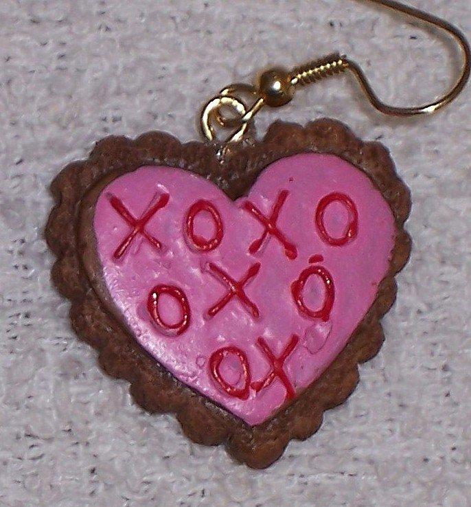 Pink Hugs n' Kisses earrings