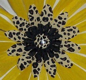 Wild Flowers - yellow leopard print bloomin pens