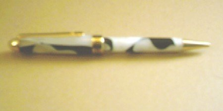 European Syle Pen (Black & White Celluloid)