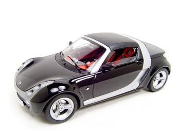 SMART ROADSTER BLACK 1:18 DIECAST MODEL
