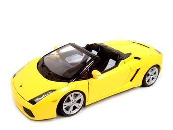 LAMBORGHINI GALLARDO SPYDER YELLOW 1:18 DIECAST MODEL