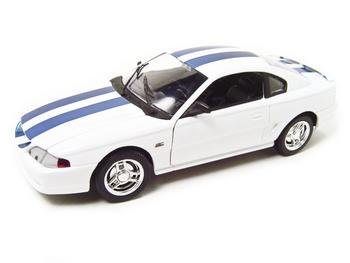 1994 FORD MUSTANG CONVERTIBLE WHITE 1:18 DIECAST MODEL