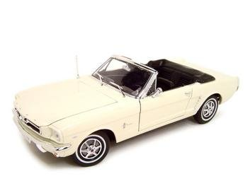 1964 1/2 FORD MUSTANG CONVERTIBLE CREAM 1:18 MODEL