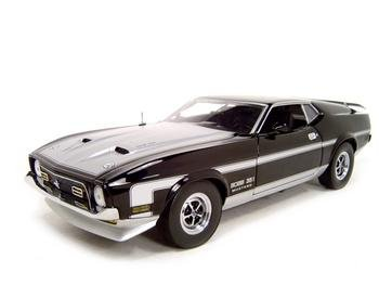 1971 FORD MUSTANG BOSS 351 MACH 1 1:18 DIECAST MODEL