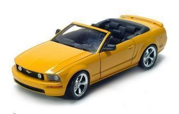 2005 FORD MUSTANG GT CONVT. 1/18 DIECAST MODEL YELLOW