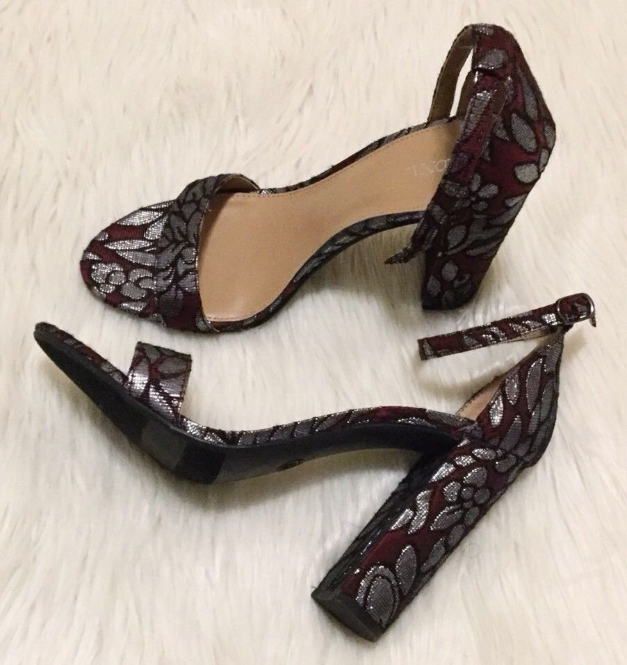 61537c95269 Merona Heels Size 9 Womenâs Burgundy & Silver Lulu Brocade Block Heel Pumps