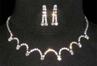 Hopscotch Necklace and Earring Set