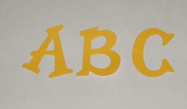 Scrapbooking Sizzix Fun Serif Alphabet - Primary Yellow