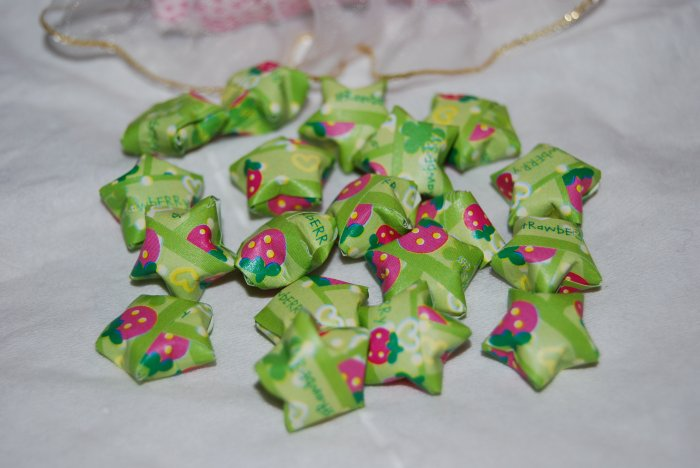 Strawberry patterned green stars