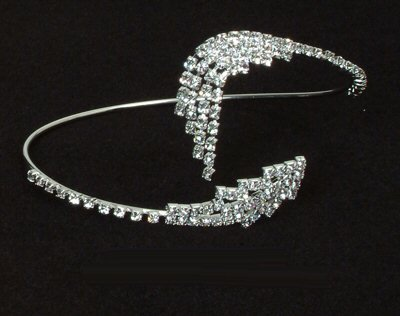 Rhinestone Bangle / Armband with Petal Design