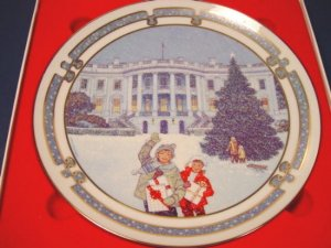1992 Royal Windsor Christmas at the White House plate, Landmarks of America, box