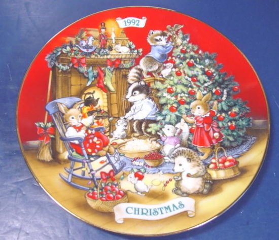 1992 Sharing Christmas with Friends Avon porcelain china plate 22K gold trim animals, tree, box