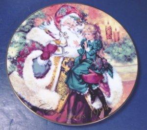1994 The Wonder of Christmas Santa Claus Avon plate porcelain china 22K gold trim with box
