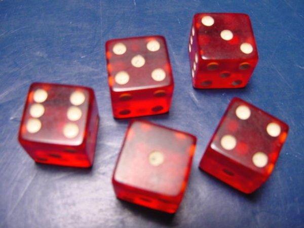Bakelite cherry red dice vintage translucent five casino poker yahtzee game 1950s
