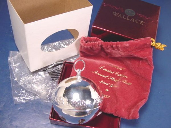 2003 Wallace Silversmiths Christmas ornament sleigh bell 33rd French horns candle annual silverplate