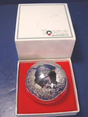 1982 Towle silversmiths silver sleigh bell ornament Christmas candles silverplate 3245