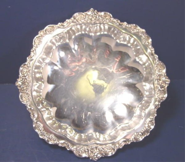 Wallace Baroque silverplate vegetable serving bowl round footed # 201 silver hollowware dish