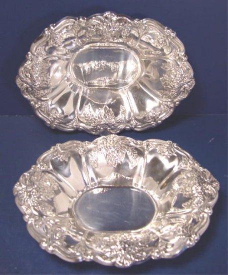Pair Wallace St. Regis silverplate bonbon candy bowls # 9720 silver hollowware dish 8 inch