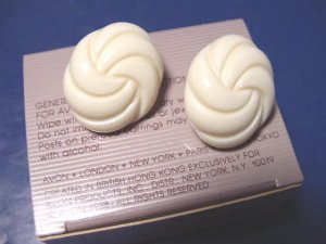 Vintage Avon Carved Accent 1988 pierced earrings white cream oval plastic, surgical steel posts