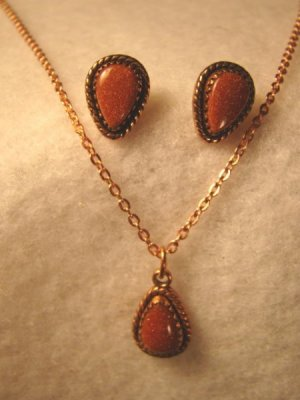 Copper teardrop pendant necklace chain, earrings vintage designer WM signed set gold-flecks stones