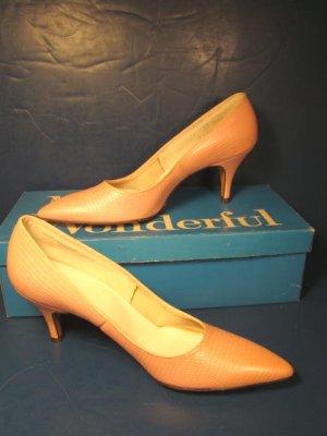 Miss Wonderful shoes 1960s vintage ladies pink faux lizard print spike heels pumps 6 AA