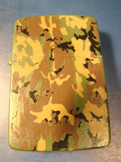 Zippo camouflage cigarette lighter vintage 1985 hunter or military green brown black design