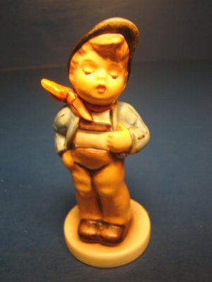 M.I. Hummel Club Lucky Fellow figurine boy membership year 1992 1993 Germany Goebel figure 560