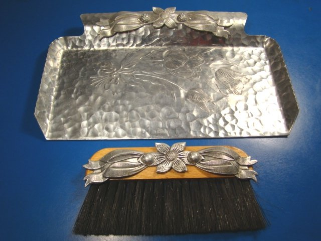 Rodney Kent hand wrought hammered forged aluminum crumb dust pan tray brush 444 vintage tulip flower