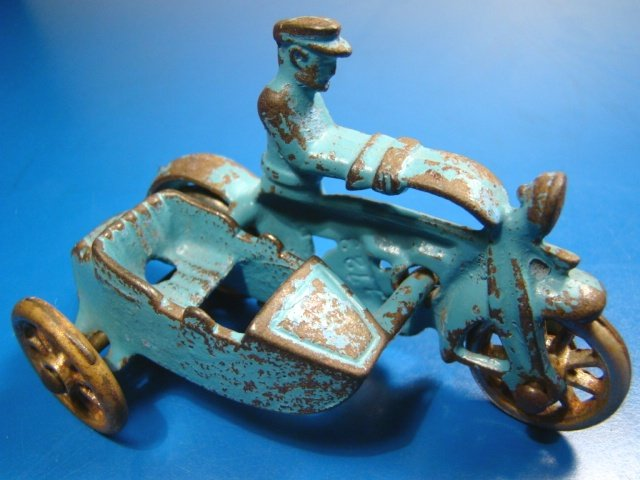 """Hubley cast iron motorcycle cop sidecar police man officer 4"""" toy blue side car metal wheels 1930s"""