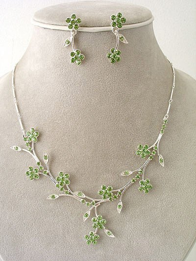 """Bridal Party"" Designer Flower Necklace/Earring Set Ice Green Reg $49.99"