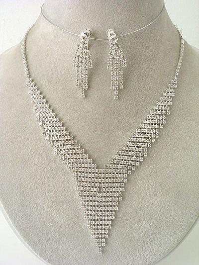 """Glamour"" Designer V Necklace/Earring Set Reg $69.99"