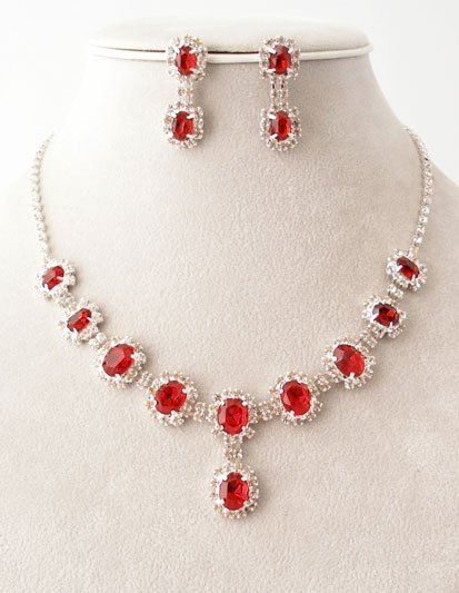 """""""Lilly"""" Cluster Shape Necklace/Earring Set Reg $69.99"""