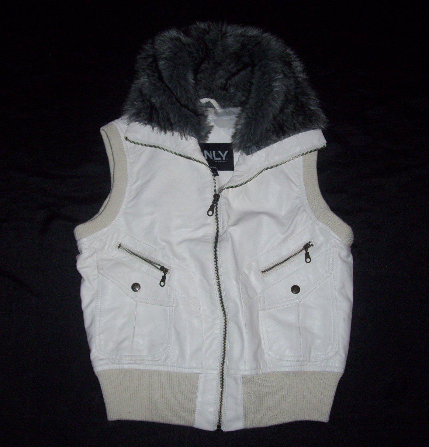 Girl's Cream Sleeveless Jacket- Size Large