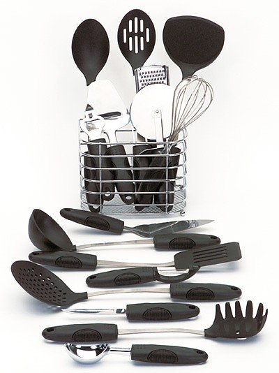 KTOOL17/00: Maxam 17pc Kitchen Tool Set in Wire Basket