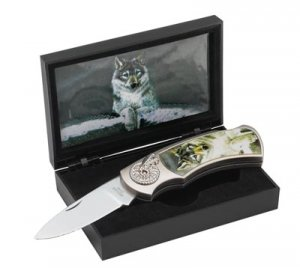 SKWOLF/00: Maxam Wolf Lockback Knife with Display Case