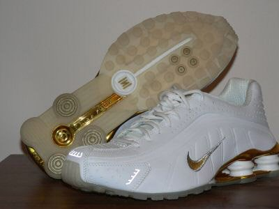 Golden White Nike Mens Shox R4 10.5