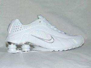 White Nike Mens Shox R4 US 8