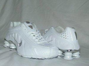 White Nike Mens Shox R4 US 10.5