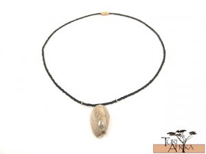 Product ID: 121     Seashell Necklace w/ Black beads